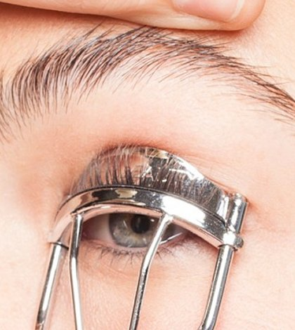 heated eyelash curler results. image credits: featured,1 heated eyelash curler results