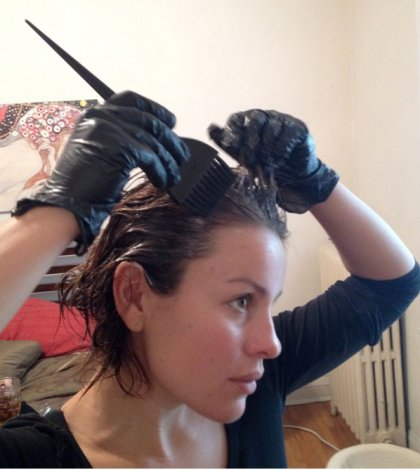 Color Your Hair at Home With These Hair Coloring Tips ...