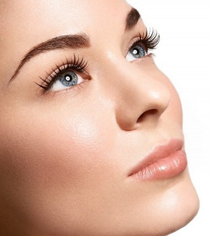 how to apply natural looking eye makeup to step out in